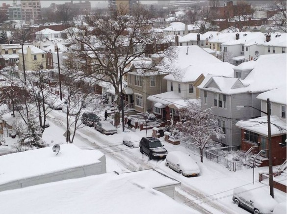 Today's snow, as seen from West 4th Street near Avenue T (Photo by Michael Louis)